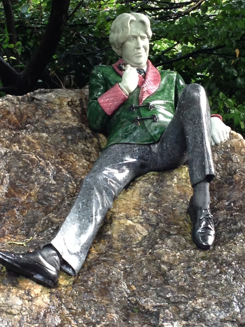 54. Oscar Wilde Statue.jpg